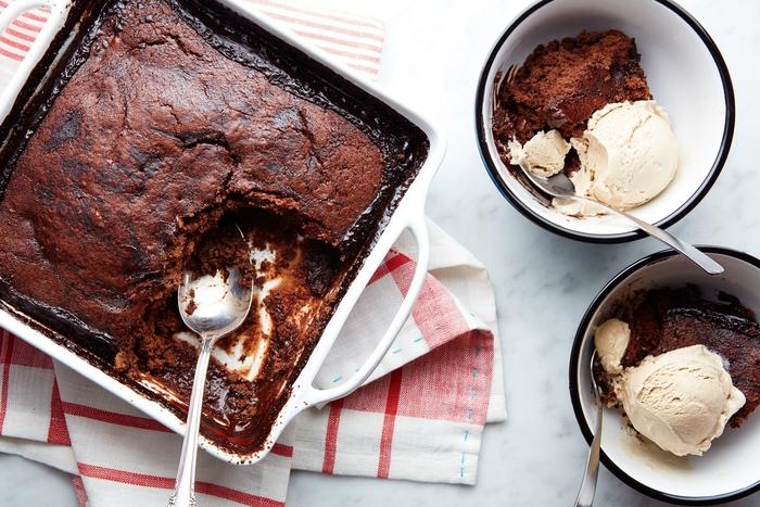recette gateau au chocolat facile façon pudding à la sauce au chocolat chaude