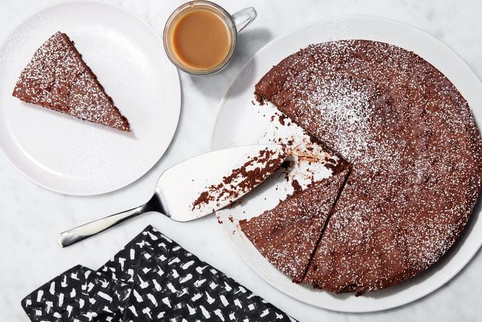 une recette gateau au chocolat facile et rapide à trois ingrédients sans farine idéal pour toutes occasions