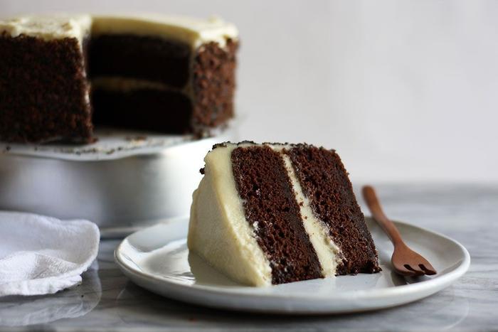 recette originale de gâteau au chocolat facile parfumé à earl grey avec glaçage au mascarpone