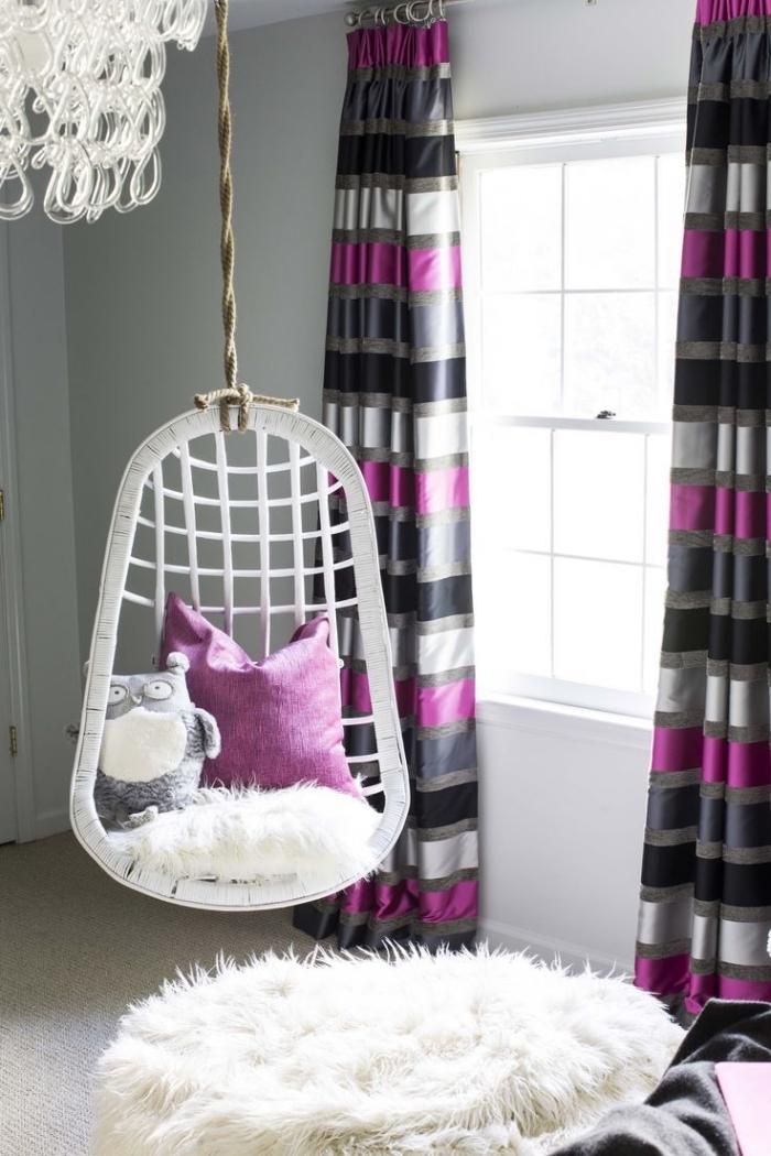 déco chambre ado fille avec chaise suspendue et coussins diy facile à faire soi-même, déco en blanc et violet