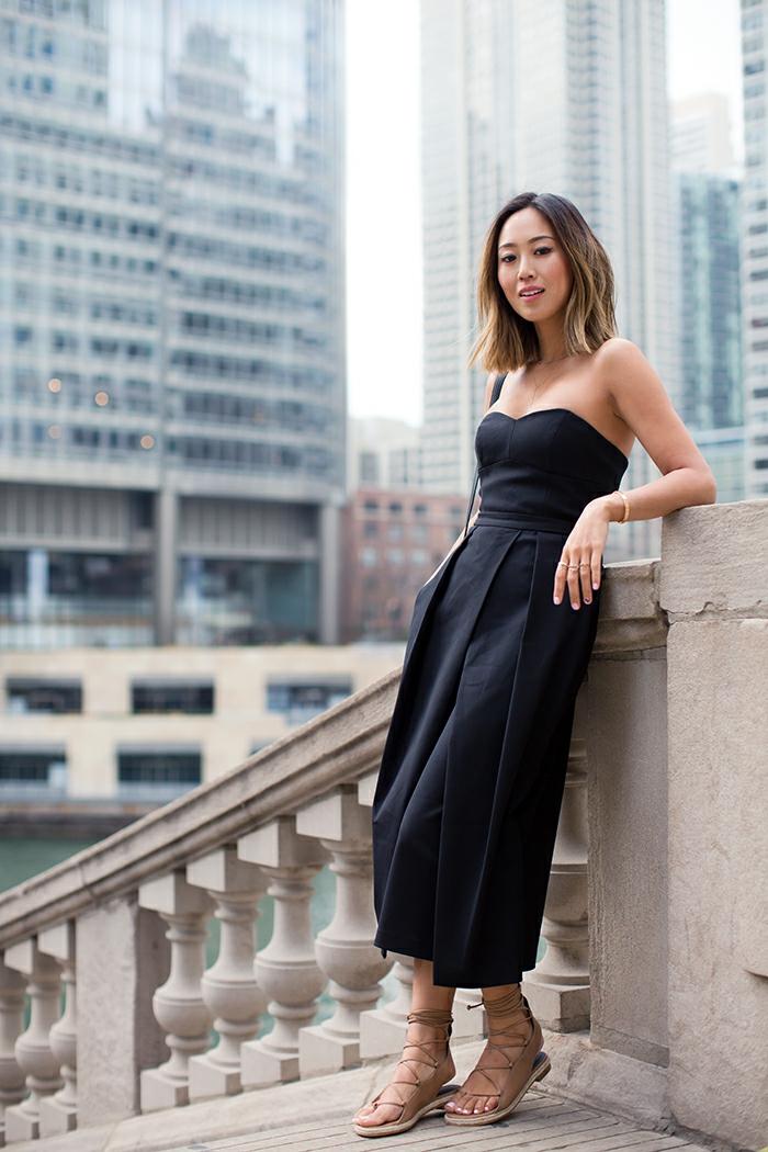 Comment s habiller pour une soirée chic avec amis les femmes de new york style tenue noir moderne