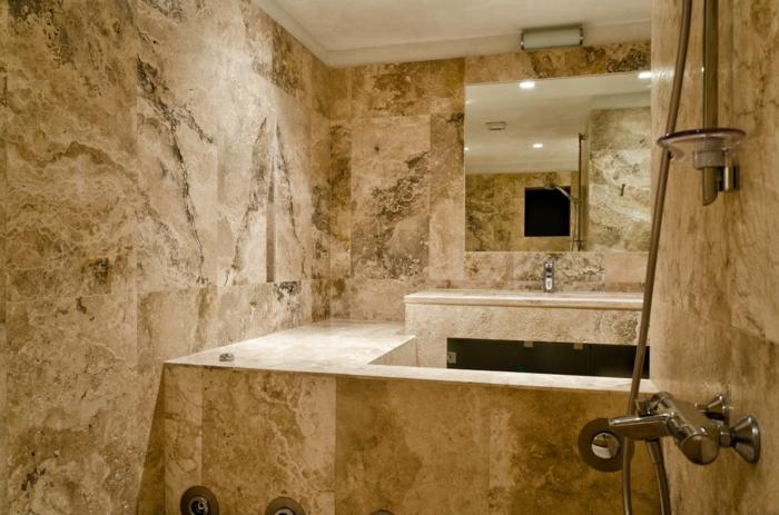 espace spa, grand miroir, revêtement aux notes authentiques, plafond blanc