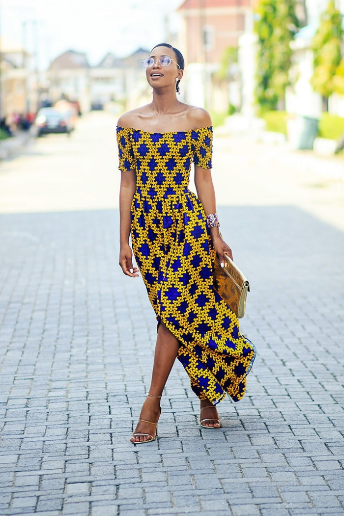 modèle de robe longue avec fente, idée vêtement femme en tissu africain, exemple de robe africaine en jaune et bleu