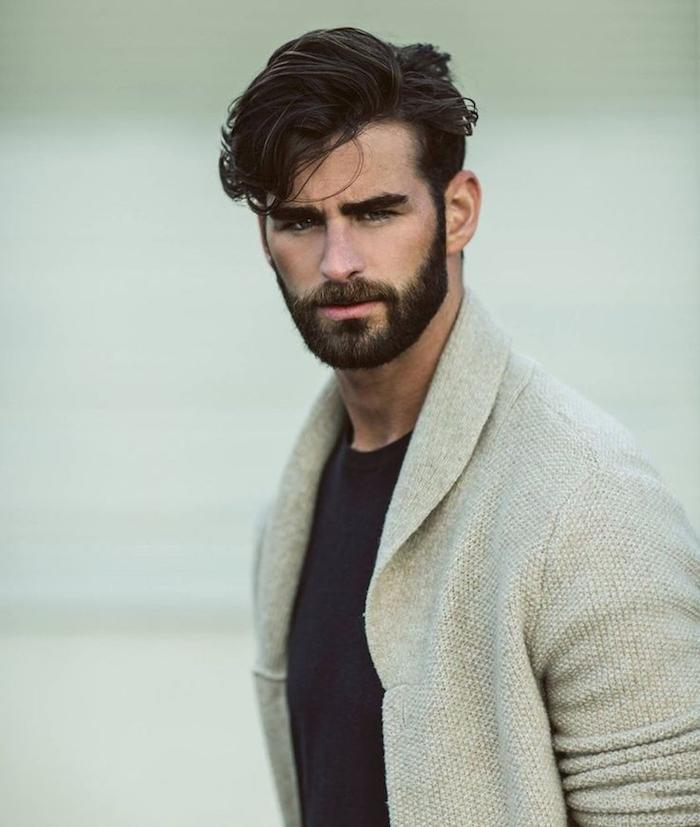 coupe barbe taillée de 3 jours homme brun coiffure
