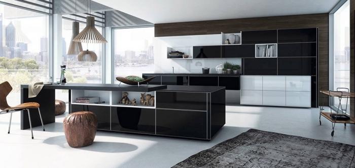 quelle couleur choisir pour une cuisine grande aux fenêtres surdimensionnées, modèle de cuisine blanche