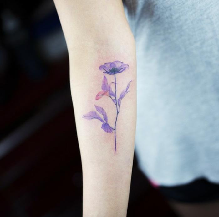 Les plus beaux tatouages du monde tatouage sexy fleur