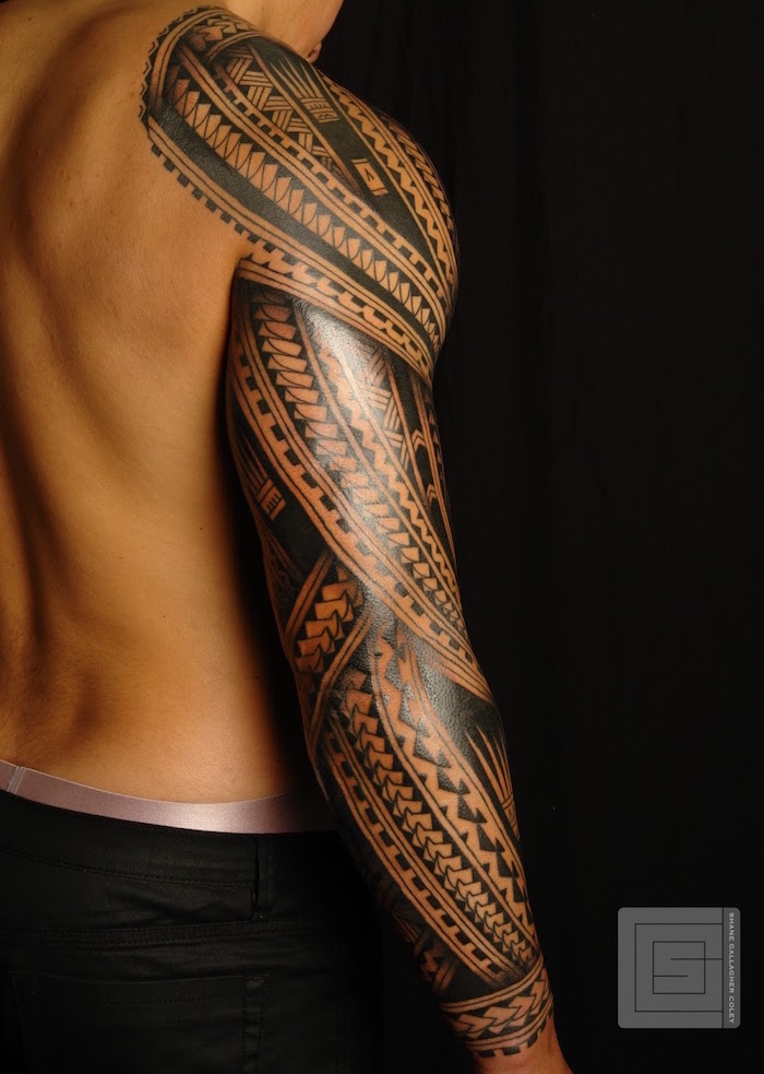 tatouage maori. Black Bedroom Furniture Sets. Home Design Ideas