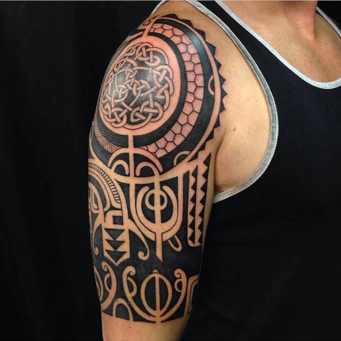 100 Latest Bracelet Tattoo Designs For Ladies: Tatouage Maori – Encre, Ciel Et Mer