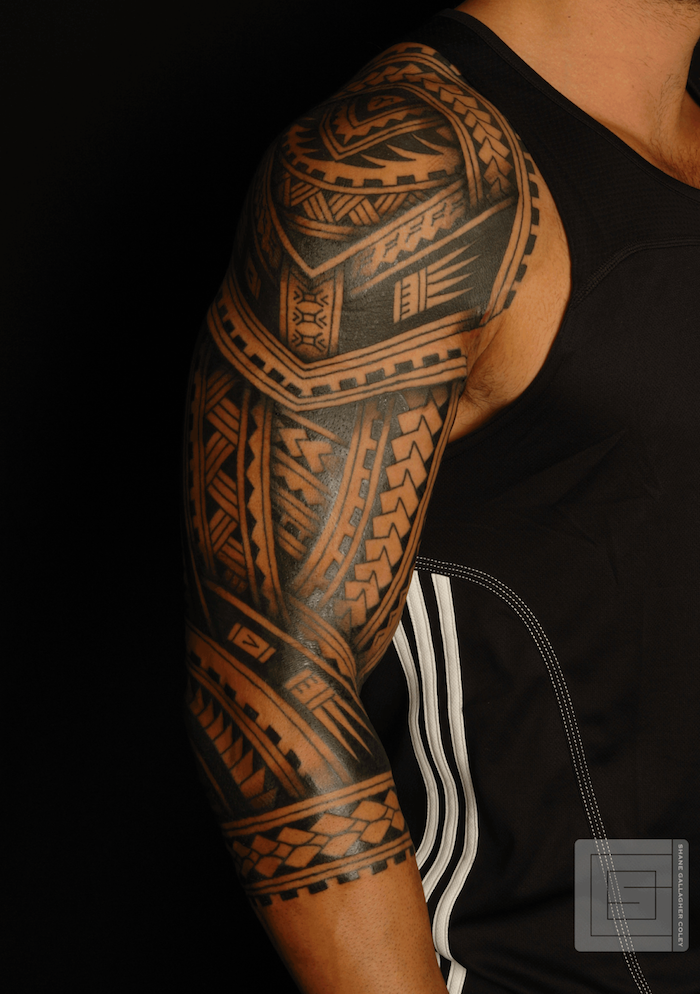 tatouage maori bras homme. Black Bedroom Furniture Sets. Home Design Ideas