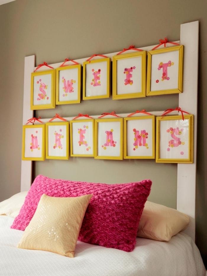 fabriquer une tête de lit diy avec cadres photos jaunes, idée déco chambre cocooning avec un lit douillet
