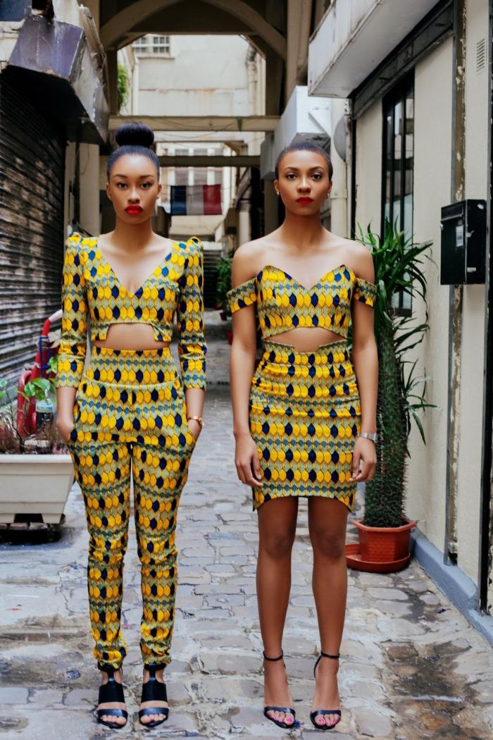 exemple de maquillage avec rouge à lèvres rouge mate, modèle de tissu africain en jaune et vert, idée vêtement africain pour femme moderne