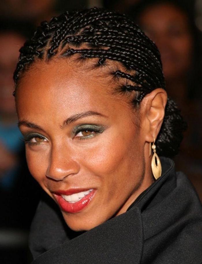 les tresses africaine plaquées sur l'arrière coiffure afro tresse femme