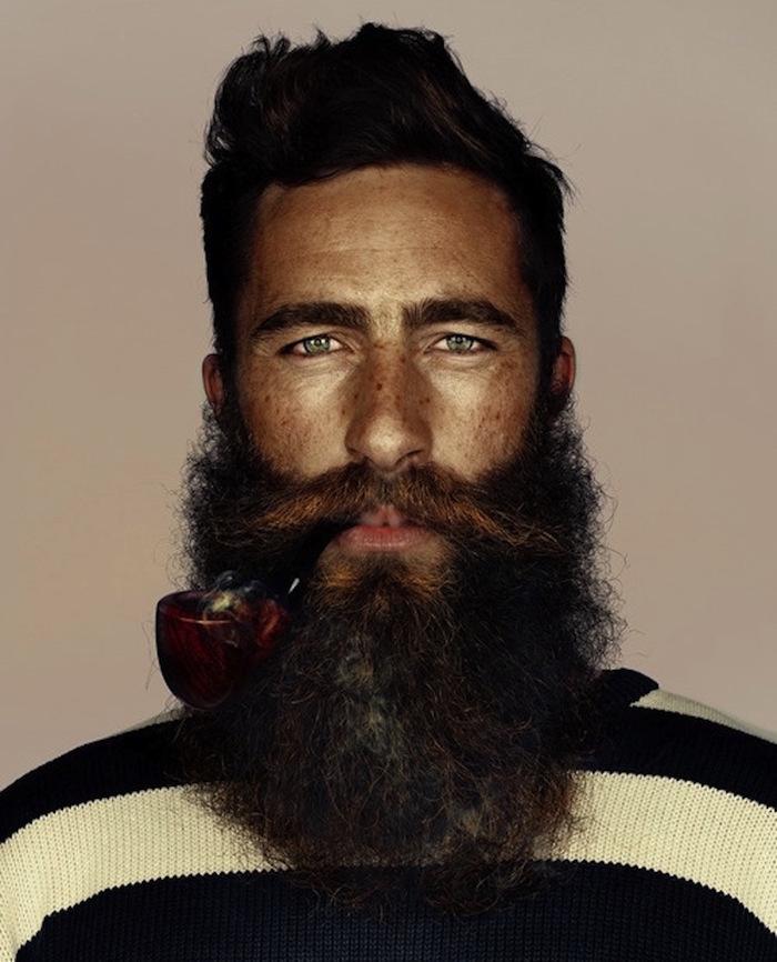 faire pousser la barbe bucheron homme hipster