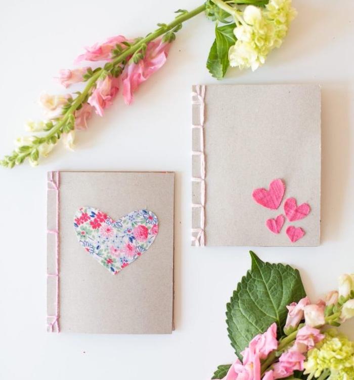 une agenda personnalisée de coeurs en tissu rose et à motifs floraux, cadeau a fabriquer pour sa meilleure amie et copine