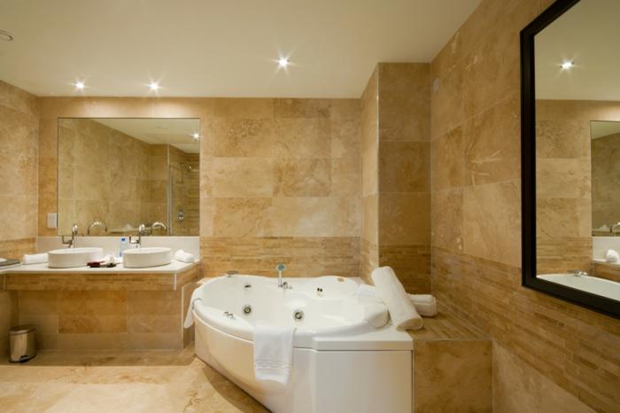 salle de bain travertin, deux miroirs muraux, carrelage beige, deuv vasques blanches