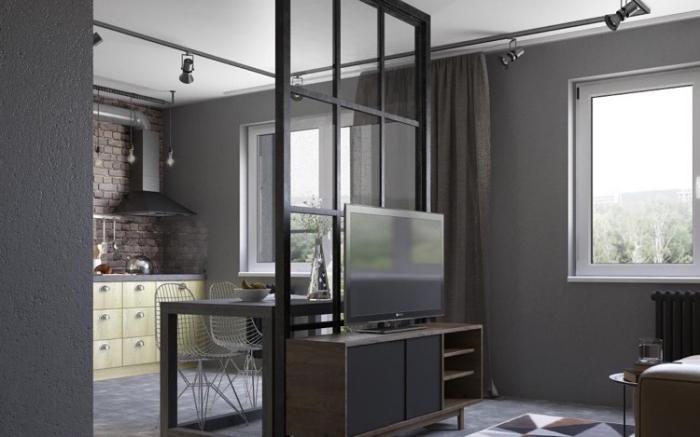 cuisine avec verrière, cuisine gris avec plafond blanc ouverte vers le salon aux murs gris et carrelage de sol foncé