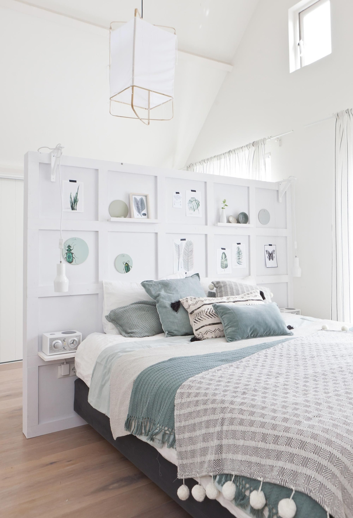 idée originale pour fabriquer tete de lit en bois esthétique et fonctionnel qui sert aussi de paroi dans la chambre à coucher