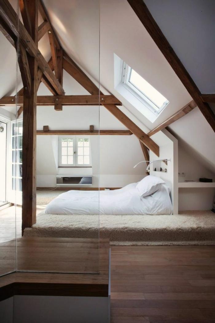 déco de combles scandinave, aménager des combles cosy, fenetre et petite étagère murale