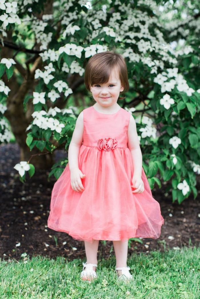 Une robe de fete fille robe demoiselle d honneur fille idée tenue stylée robe rose