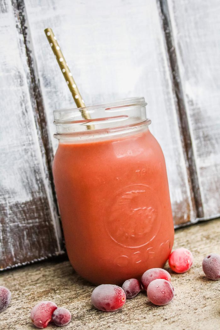 comment faire des smoothies riches en antioxydants, recette de smoothie aux canneberges, banane et lait de coco