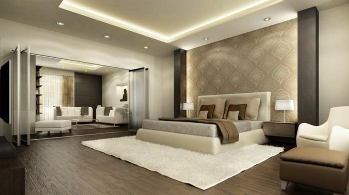faux plafond lumineux, tapis blanc, meubles en couleur taupe, plancher en bois,