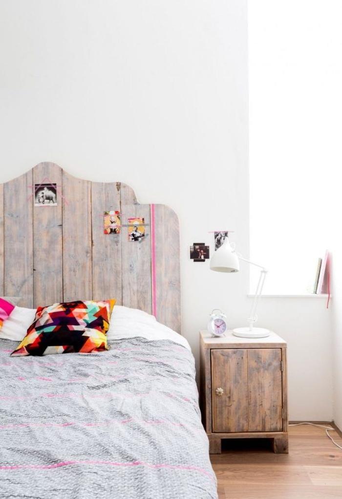 comment faire une tete de lit de joli design aux courbes, chambre à coucher d'ambiance nordique naturelles avec des touches de couleurs