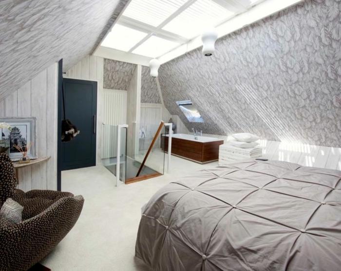 chambre grise, fauteuil cocoon, amenagement grenier fantastique en couleurs claires