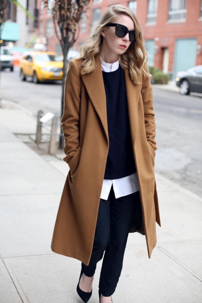 pantalon fluide femme habillé combiné avec chemise blanche loose et blouse noire, coiffure de cheveux mi-longs bouclés