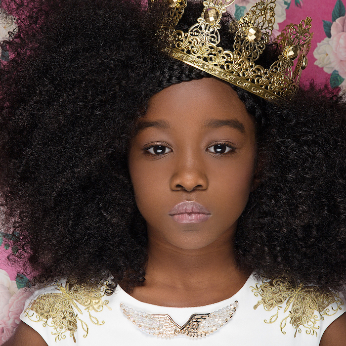 idee modele coupe afro fille avec cheveux longs crepus