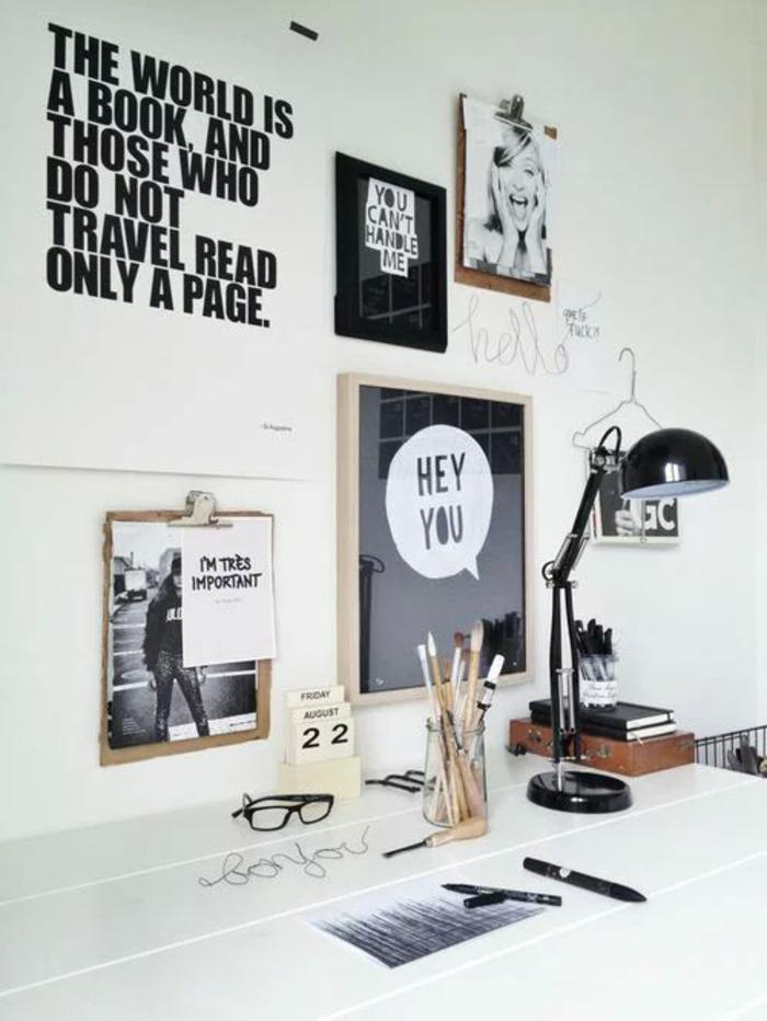 pièce en noir et blanc, chambre de 9m2, amenager studio 15m2, avec des messages sympa, luminaire pour le bureau en métal noir