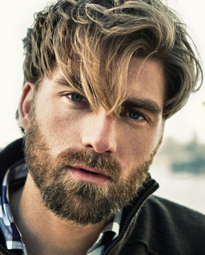 modele homme avec barbe de 10 jours blond courte