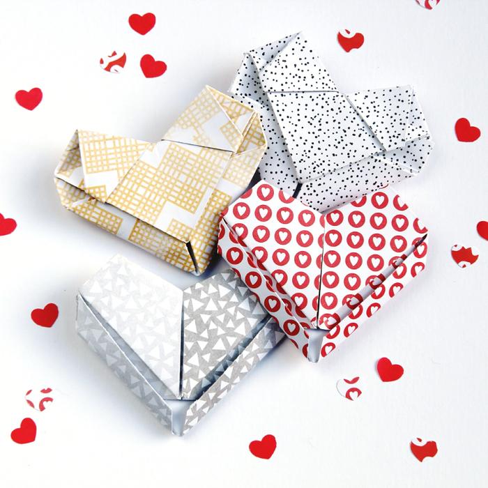idée pour un bricolage origami facile pour la saint-valentin, comment faire de petites boîtes cadeaux façon coeurs origami