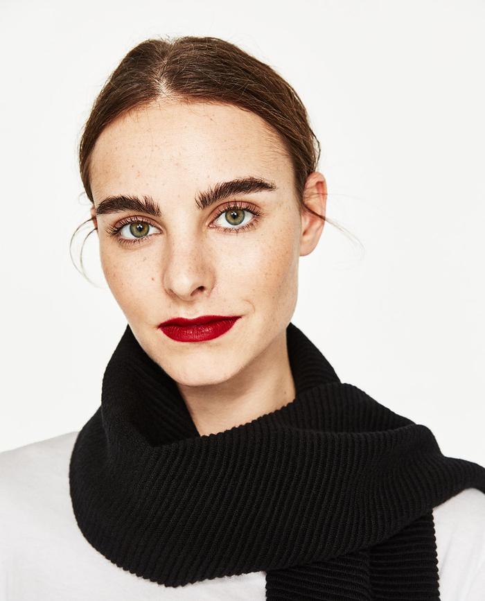 conseil maquillage pour avoir des sourcils à effet broussailleux bien maîtrisé