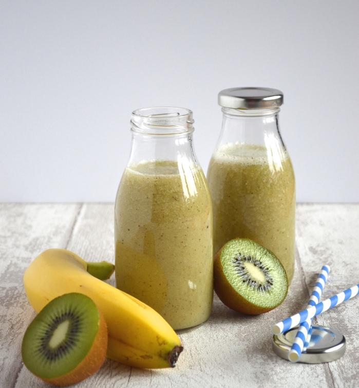 recette smoothie banane, kiwi et eau de coco, boisson vitaminée délicieuse naturellement sucrée