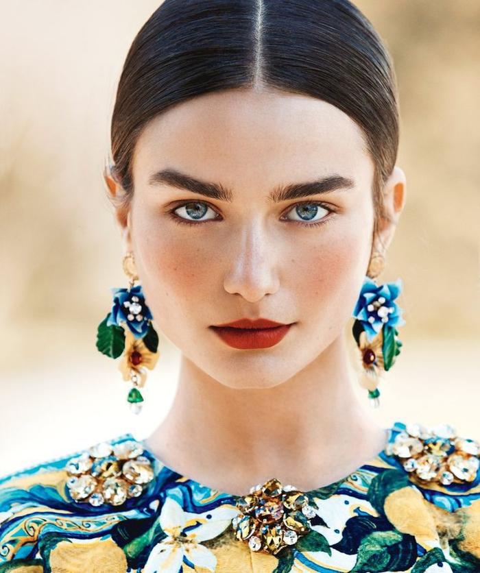 conseil maquillage pour dessiner les sourcils comme un pro et avoir des arcs bien définis et fournis