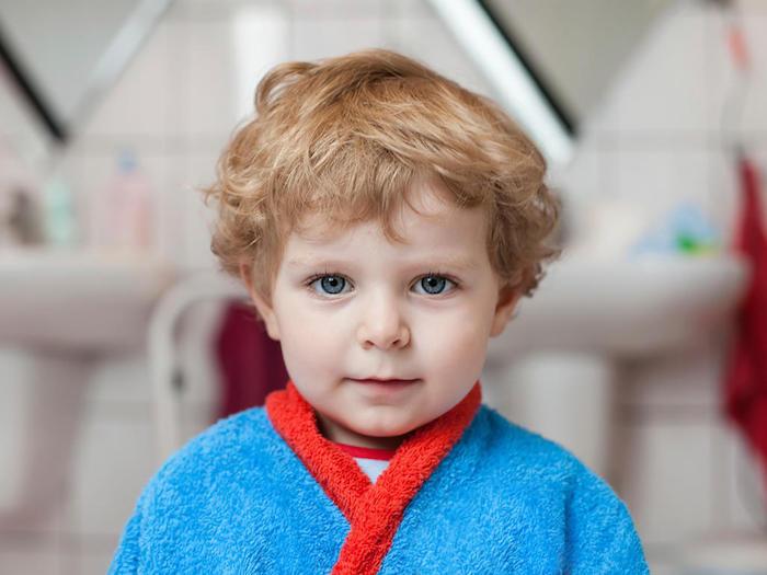 idée coupe de cheveux enfant petit blond venitien 3 ans
