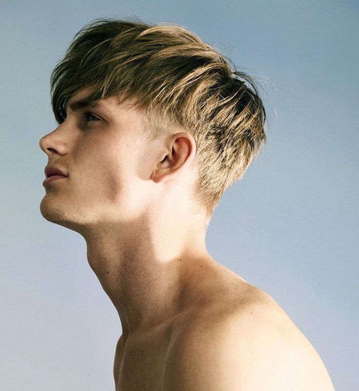 coupe originale hipster simple cheveux qui tombent sur le front style mode russe