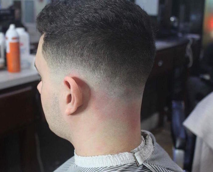 coupe fondu homme progressif, coiffure courte avec dégradé bas