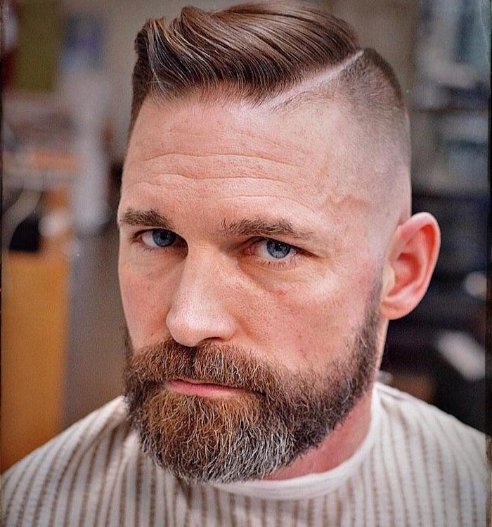 coiffure homme avec barbe sur le coté coté rasés style hipster tendance retro