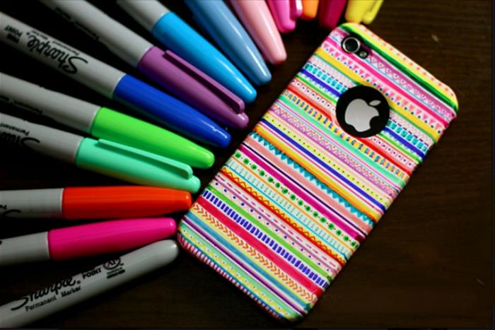 modèle de coque coloré décoré à motifs ethniques, comment faire une décoration facile sur une coque portable