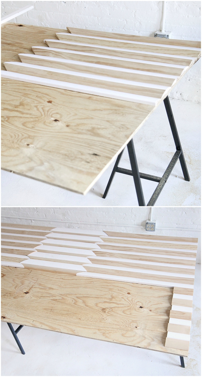 idée originale pour fabriquer tete de lit au design moderne composés de tasseaux de bois en biais collés sur un panneau de contreplaqué