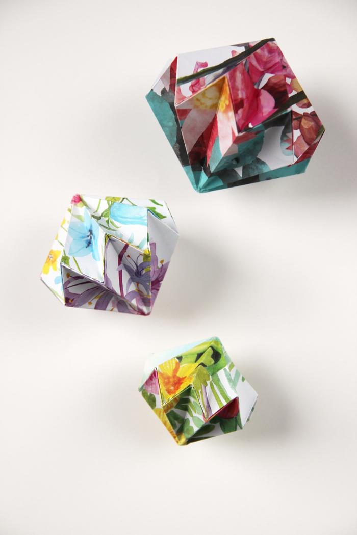 comment faire des origami précieuses gemmes en papier multicolore pour une déco de fête pleine de fraîcheur