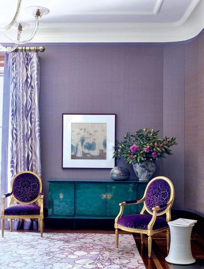 salon couleur mauve, tapisserie violette pour salon, idée couleur aménagement intérieur