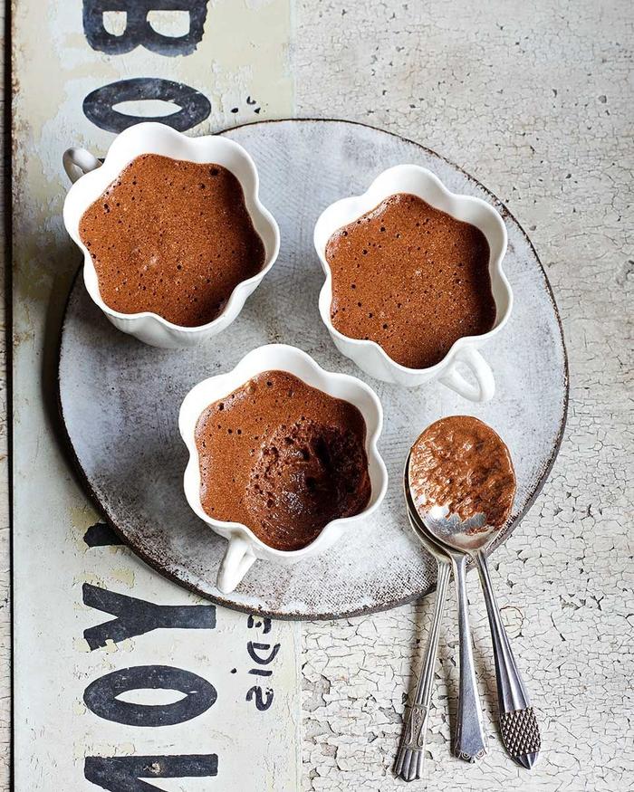 dessert facile et léger, de la mousse au chocolat léger et savoureux à trois ingrédients