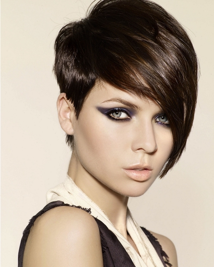 Coupe cheveux courts meches longues