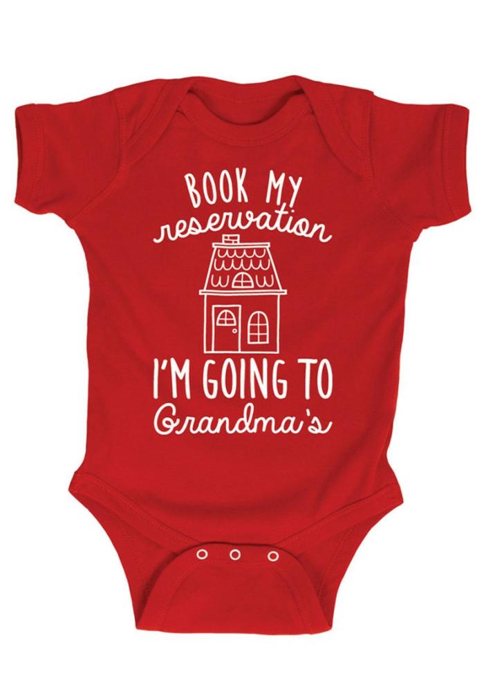 vêtement de bébé créatif avec un script pour annoncer à ses parents la bonne nouvelle