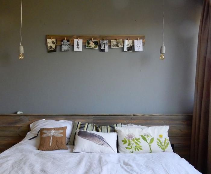 ambiance feutrée tete de lit bois brut