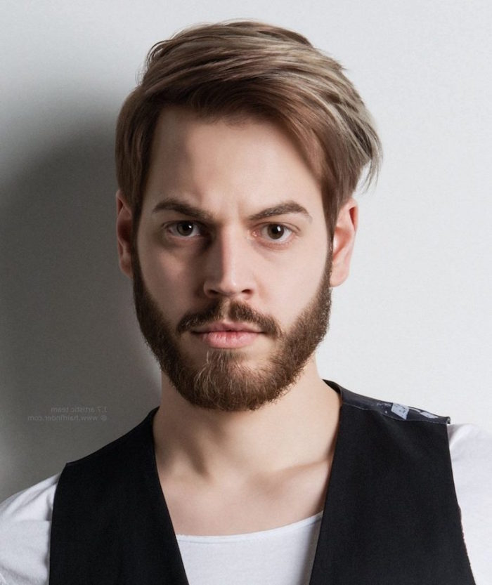 coupe barbe moyenne pour visage carré rectangulaire