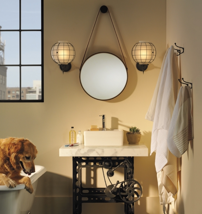 petite salle de bain avec baignoire compacte et lavabo à design fer forgé et marbre blanc, modèle d'applique murale blanc et noir mate