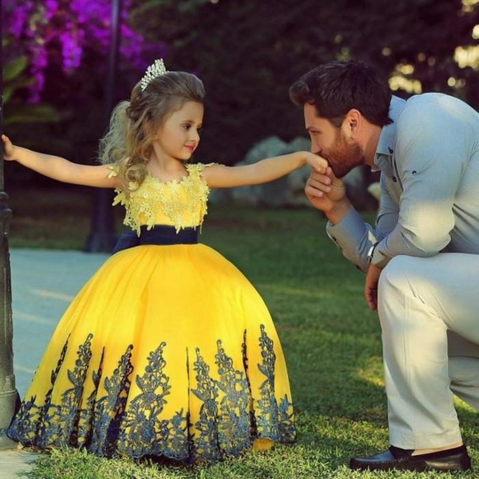 Robe demoiselle d honneur enfant idée comment habiller son enfant pour mariage